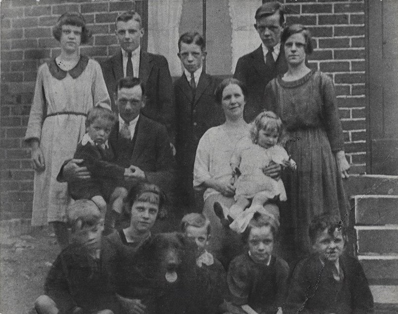 Pearson family with Harold and Clara Eli