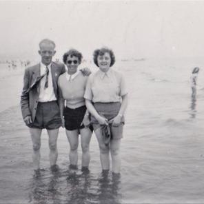 15. Jack, Nellie Haigh, Jean Woods