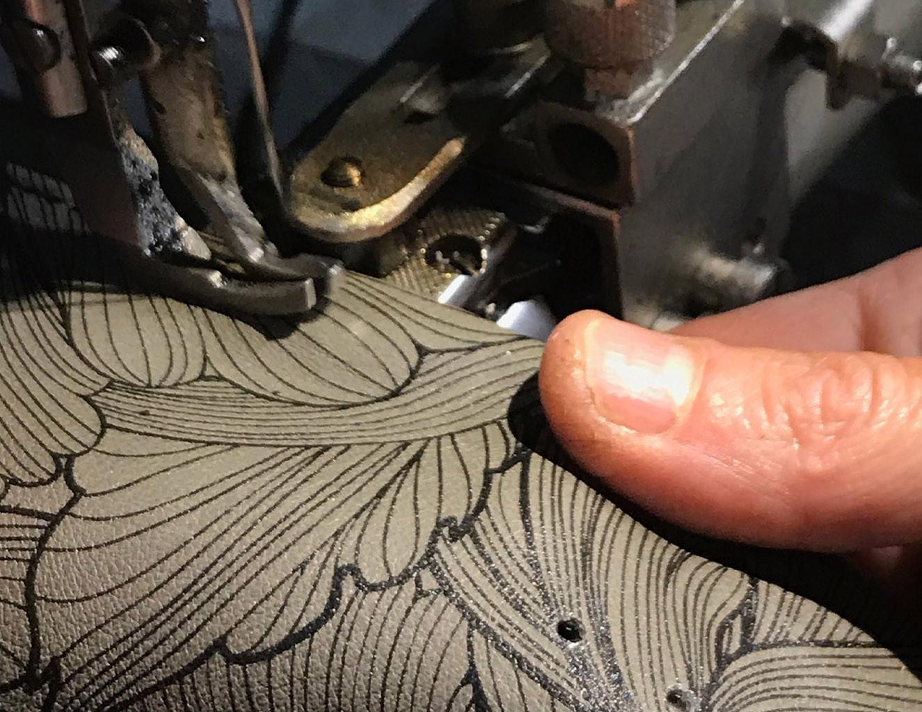 11 HOME UAU - close up macchina cucire.j