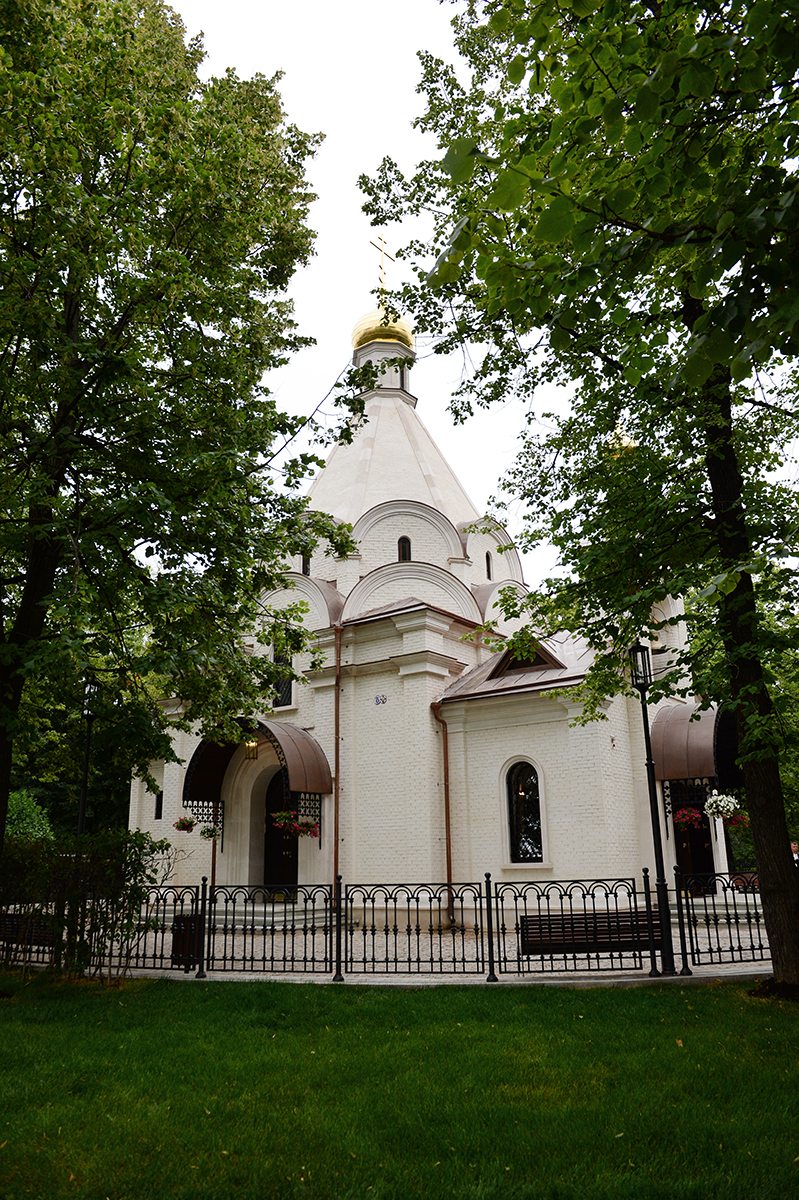 CHURCH AT THE WALLS OF NOVODEVICHY
