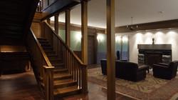 Лестница у гостиной