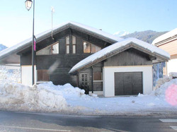 T'Laer front of chalet