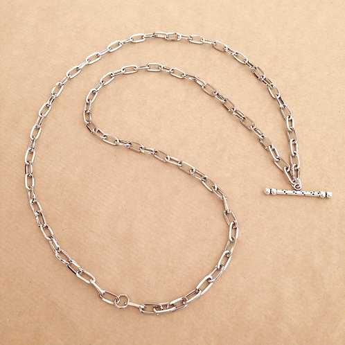 Silver large-link chain with 'Speckle' toggle