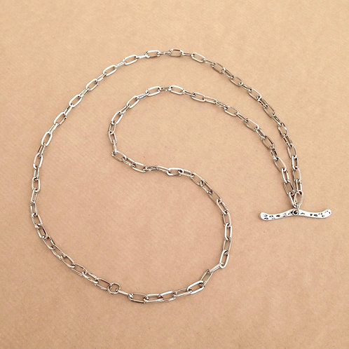 Silver large-link chain with 'Hammered' toggle