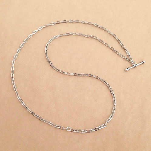 Silver medium-link chain with 'Classic' toggle