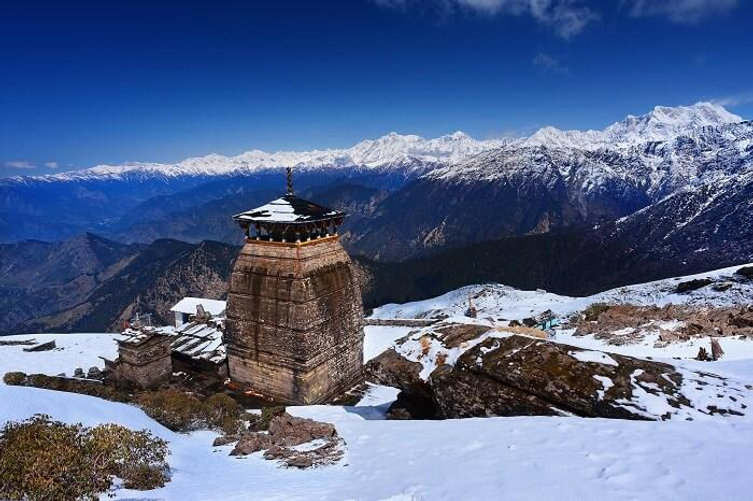A-winter-snap-of-the-snowcapped-Himalaya