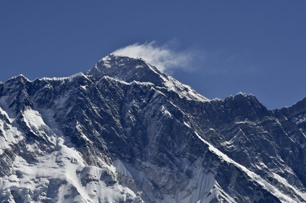 mount-everest-moved-nepal-earthquake