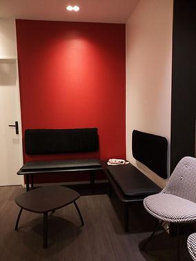 Maison Carélie réalise des assises et dossiers contemporains.