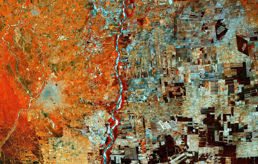 LA VILLE EN CRISE — Anonyme, Bolivie, Santa Cruz, Giving up forests, septembre 2017 © Copernicus Sentinel data (2015) / ESA, CC BY-SA 3.0 IGO.