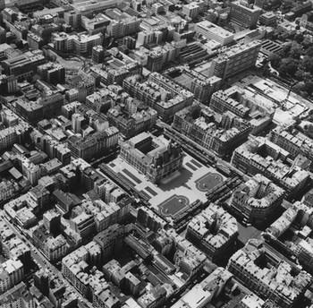 La Documentation française, Hôtel de ville et tissu urbain de Levallois, 1973 © Archives départementales des Hauts-de-Seine.