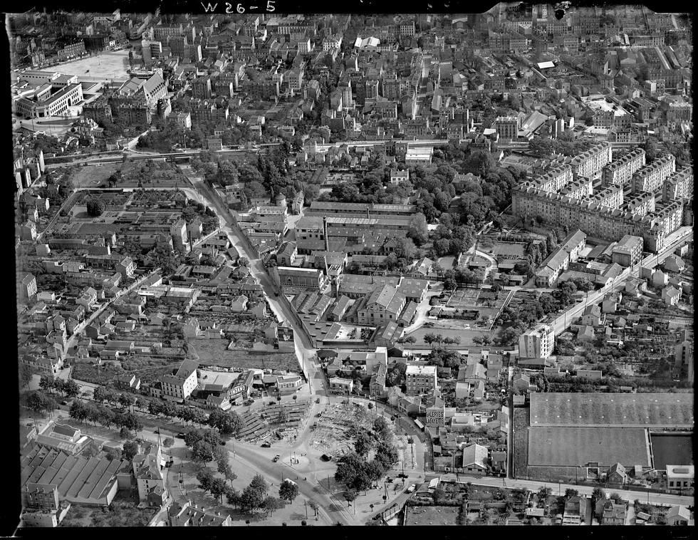 Place des Bergères à Puteaux, 1934 © IGN (France), Photothèque nationale.