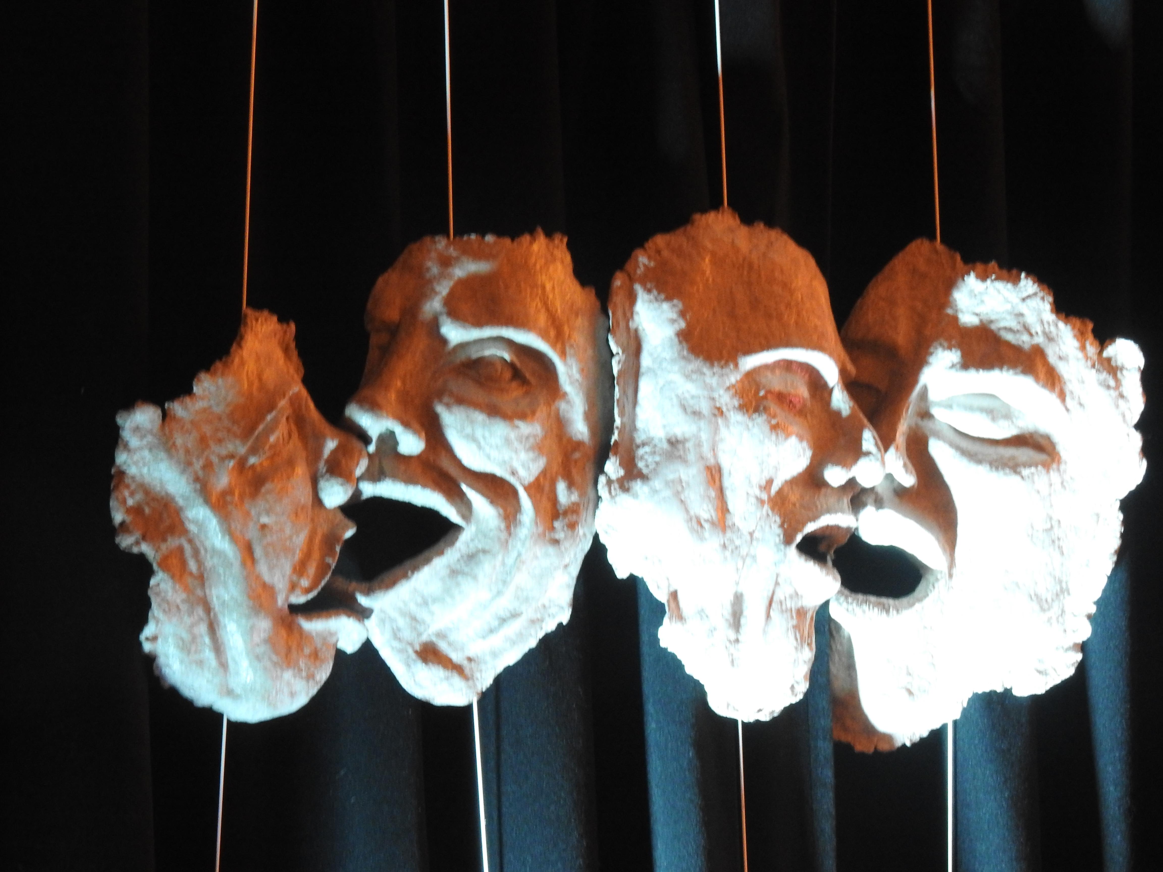 18-02_Désastre_-_masques_03