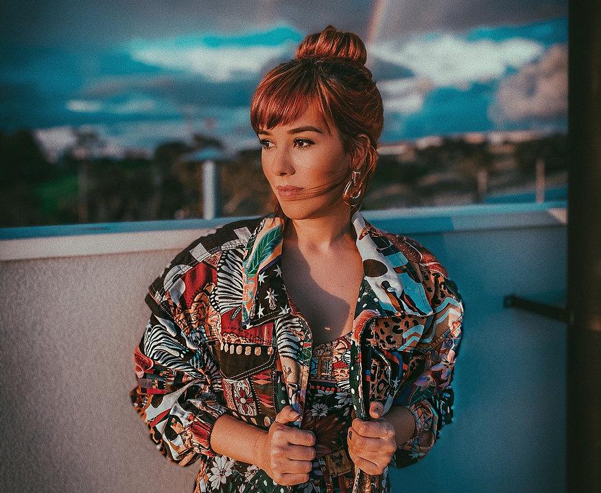Um retrato da DJ Aline Rocha