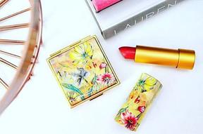 Mac Guo compacts made by MG New York #guo #maccosmetics #compact #packaging #lips #face