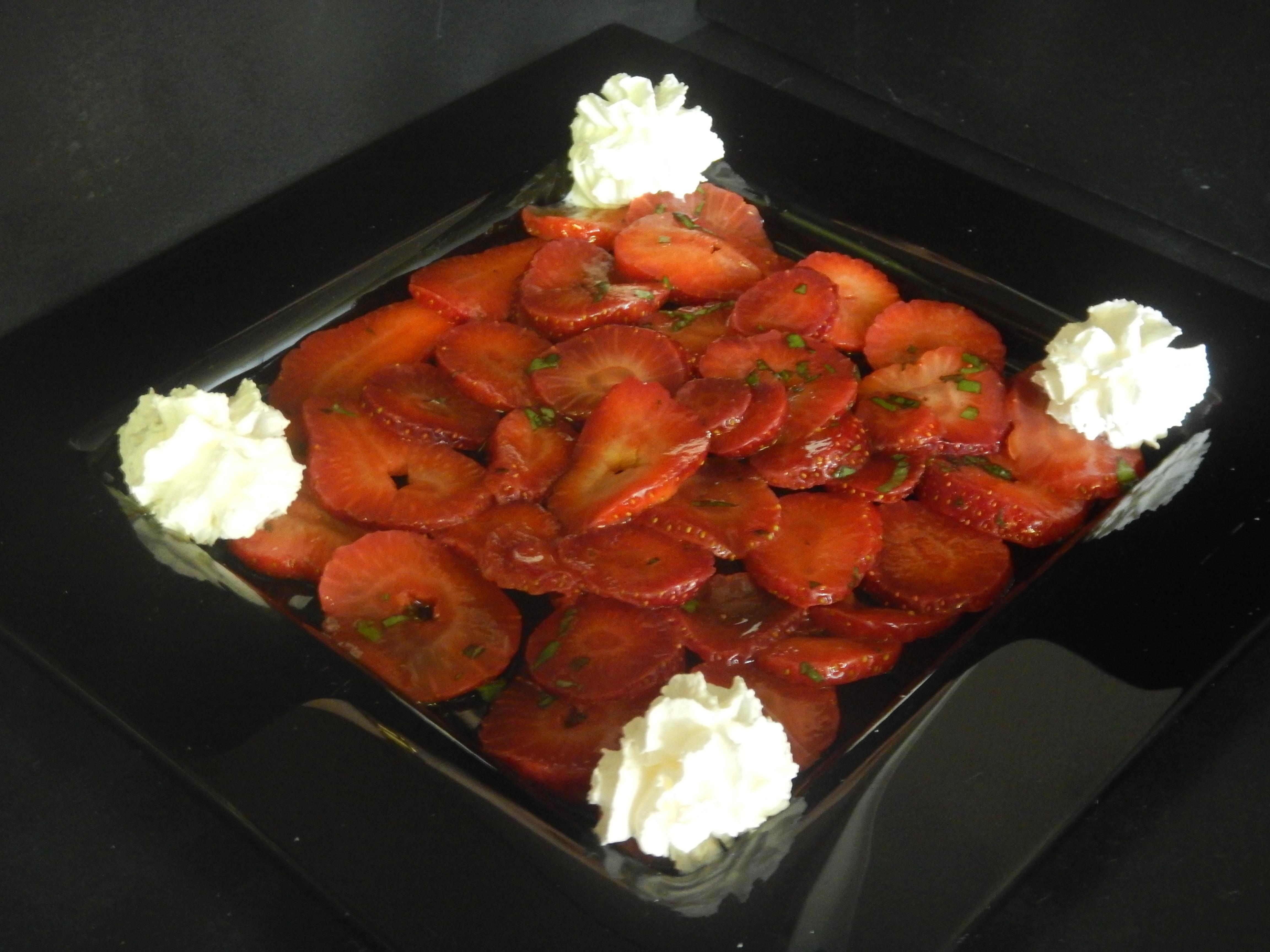 Carpaccio fraises et basilic
