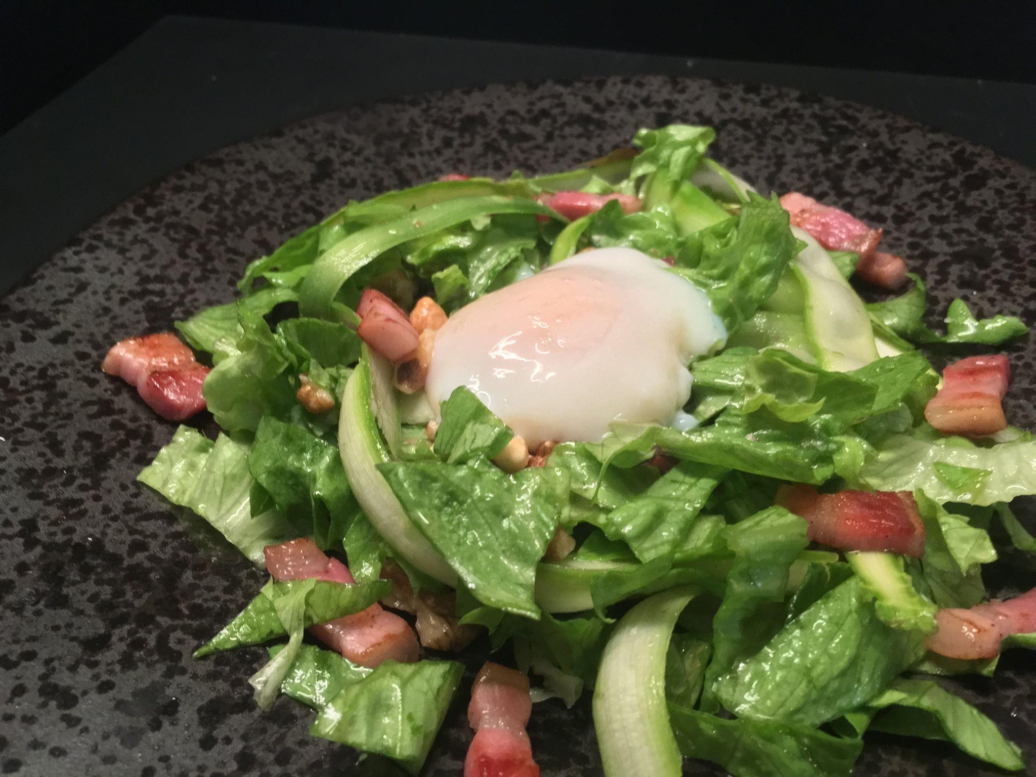 Salade d'asperges vertes et son