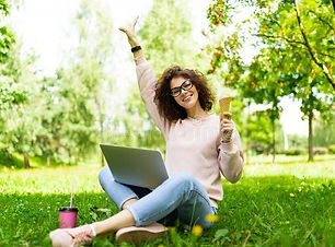 Jeune-femme dans parc.jpg