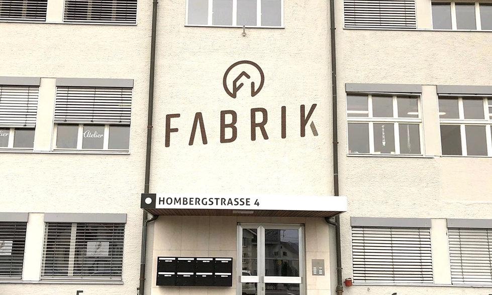 Logo, Grafik, Beschriftung und Signaletik für Fabrik