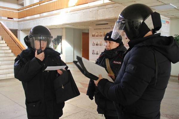 МВД понадобились тысячи ноутбуков. «Эльбрусы» и «Байкалы» допущены