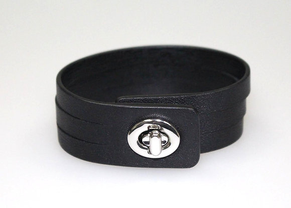 Turnlock bracelet W6986
