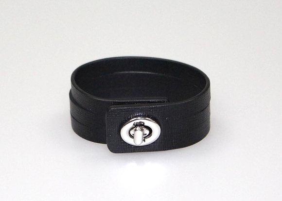 Turnlock bracelet W6986-1