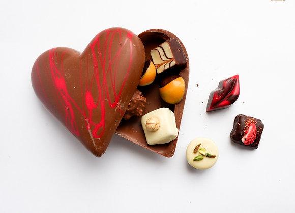 Šokoladinė širdis su saldainiais
