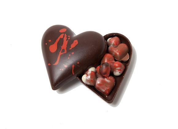 Šokoladinė širdis, pripildyta širdelių