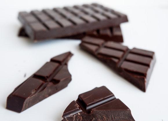 Juodo šokolado plytelė
