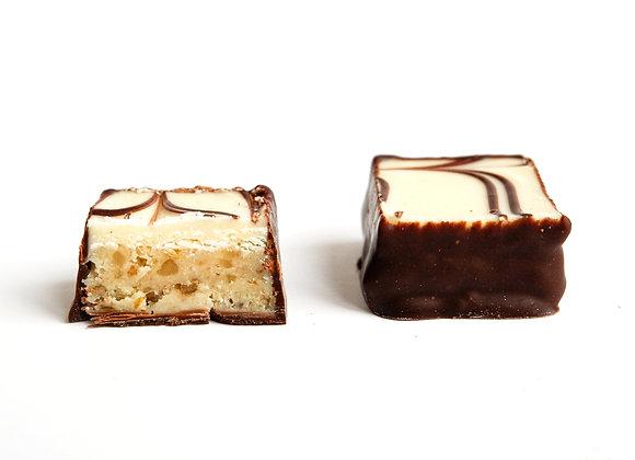 Balto šokolado marcipano saldainiai