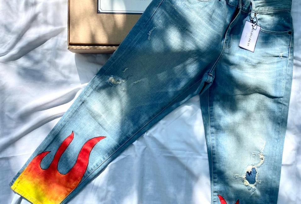 Mom Jeans - por Regina Islas