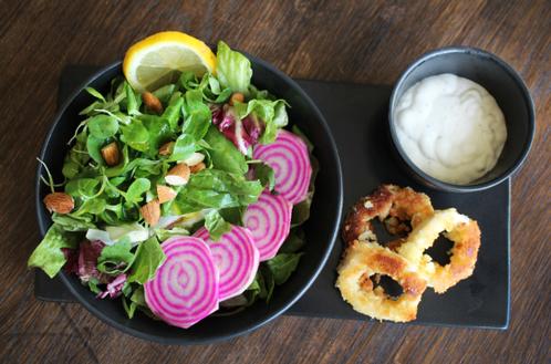 Salat & frityrstekt kalamari