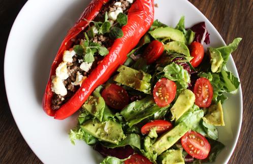 Bakt paprika med avocadosalat