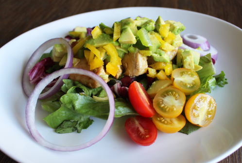Spicy kylling med avocado- & paprikatopping