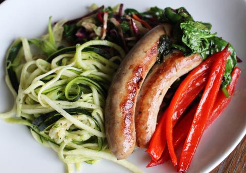 Italiensk pølse med squashspaghetti & stekte grønnsaker