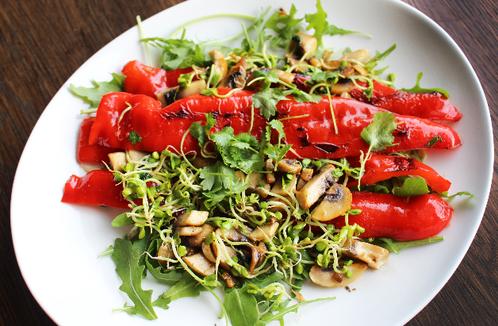 Stekt spisspaprika med sopp & urter
