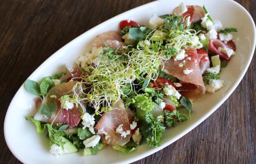Salat med spekeskinke & gresk fetaost