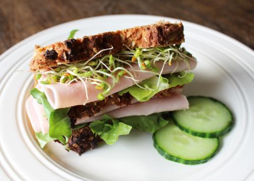Sandwich med skinke & spirer