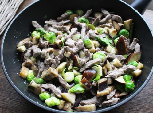 Pannestekt kalvekjøtt med kremete grønnsaker
