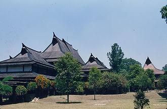 図④a 94Indonesia0817.jpg