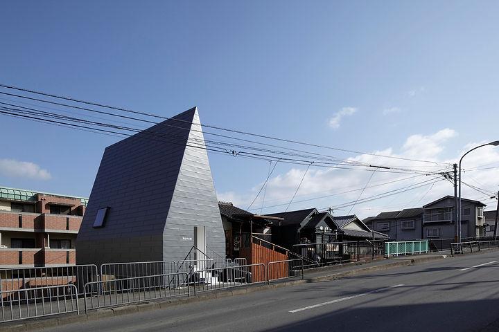 17公文式という建築(外観の写真)02.jpg