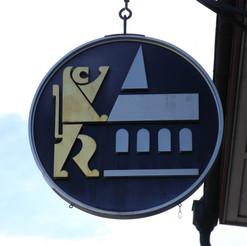 Logo aussen am Haus