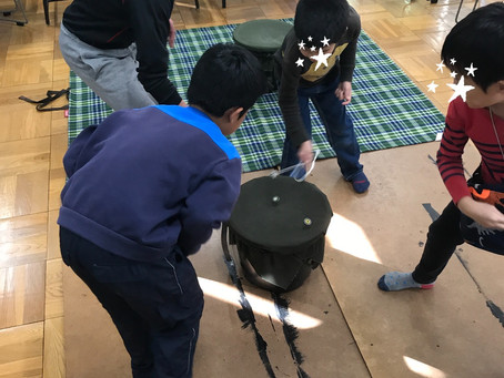 小学校でベーゴマ教室を開催!