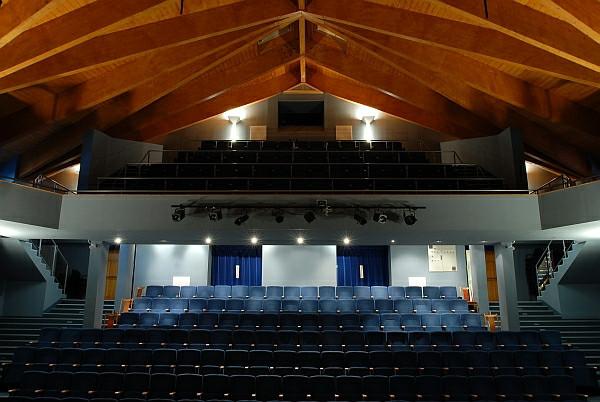 A Nagy Gáspár Kulturális Központ színházterme