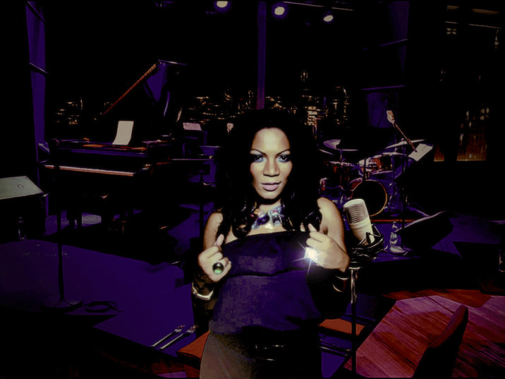 """R&B Songstress, Dalya Riley releases """"You Drive Me Crazy."""""""