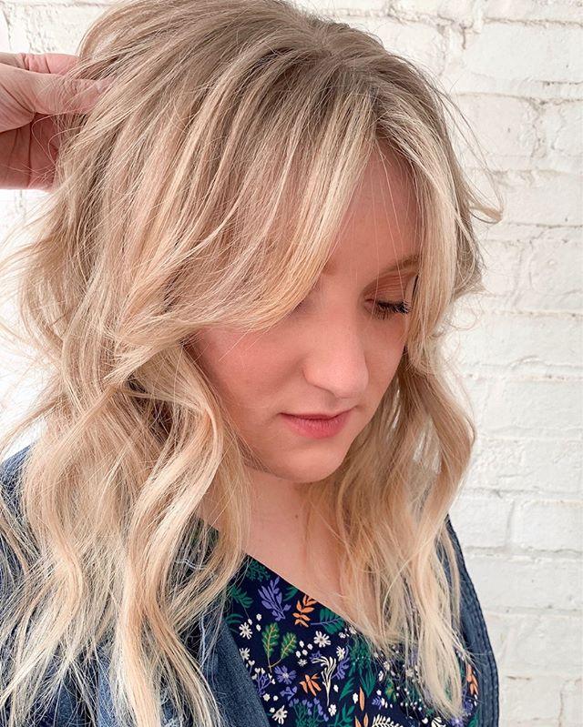 Classic Blonde 👱♀️ ⠀⠀_#blonde #blondes