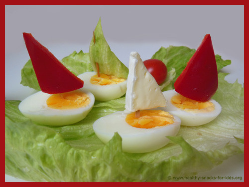 egg-boats-with-sail-healthy-snacks-kids.jpg