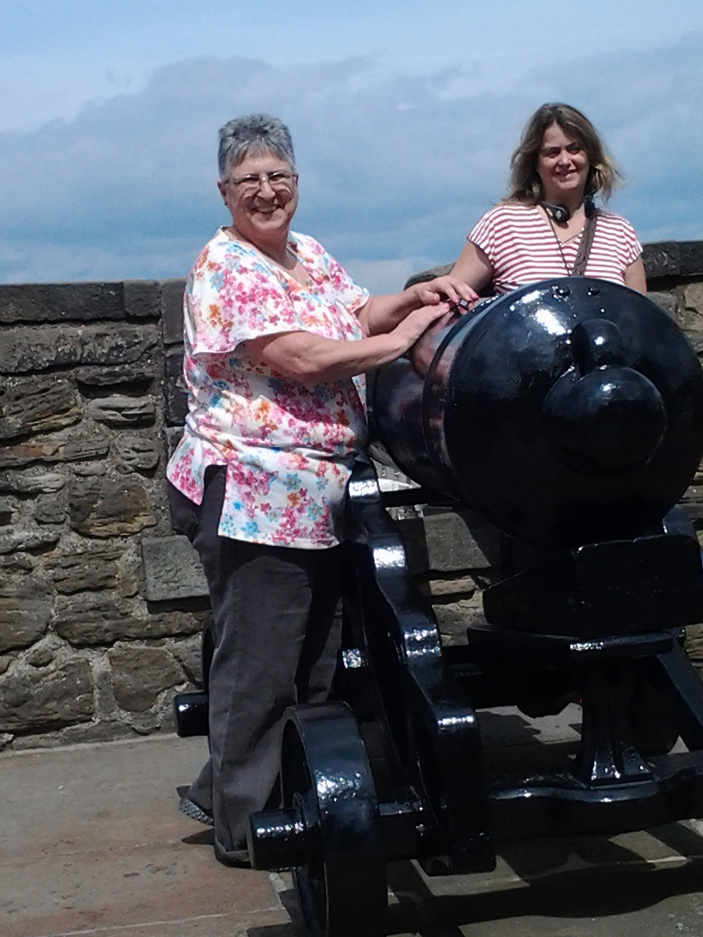 Sonia at Edingburgh Castle.jpg