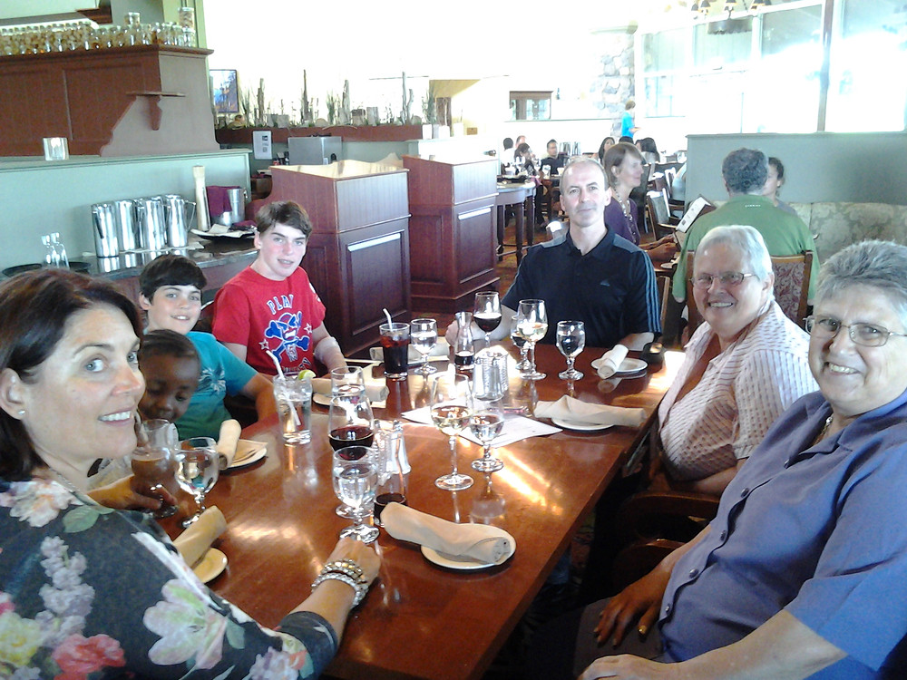 7 Breakfast at Deerhurst hotel with the Farrells.jpg