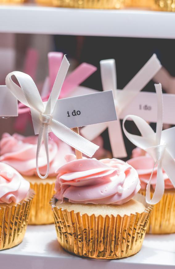 "Cupcake with ""i do"" picks"