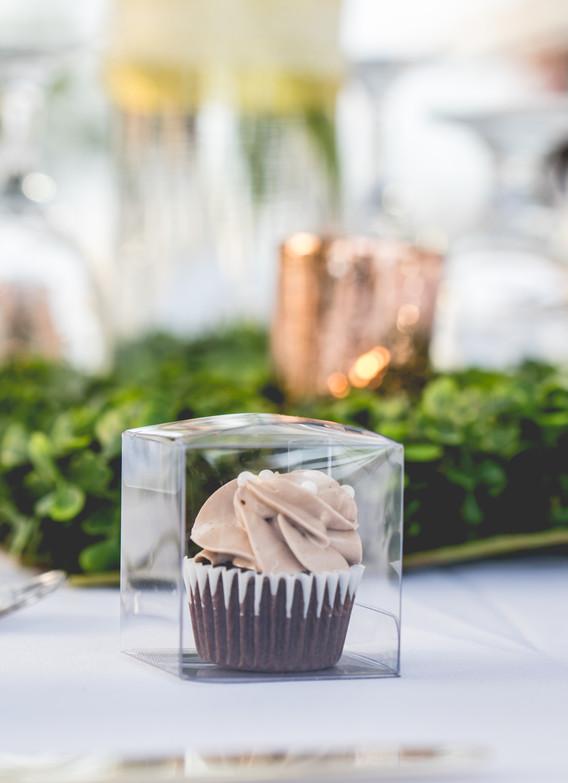 Mini cupcake in gift box